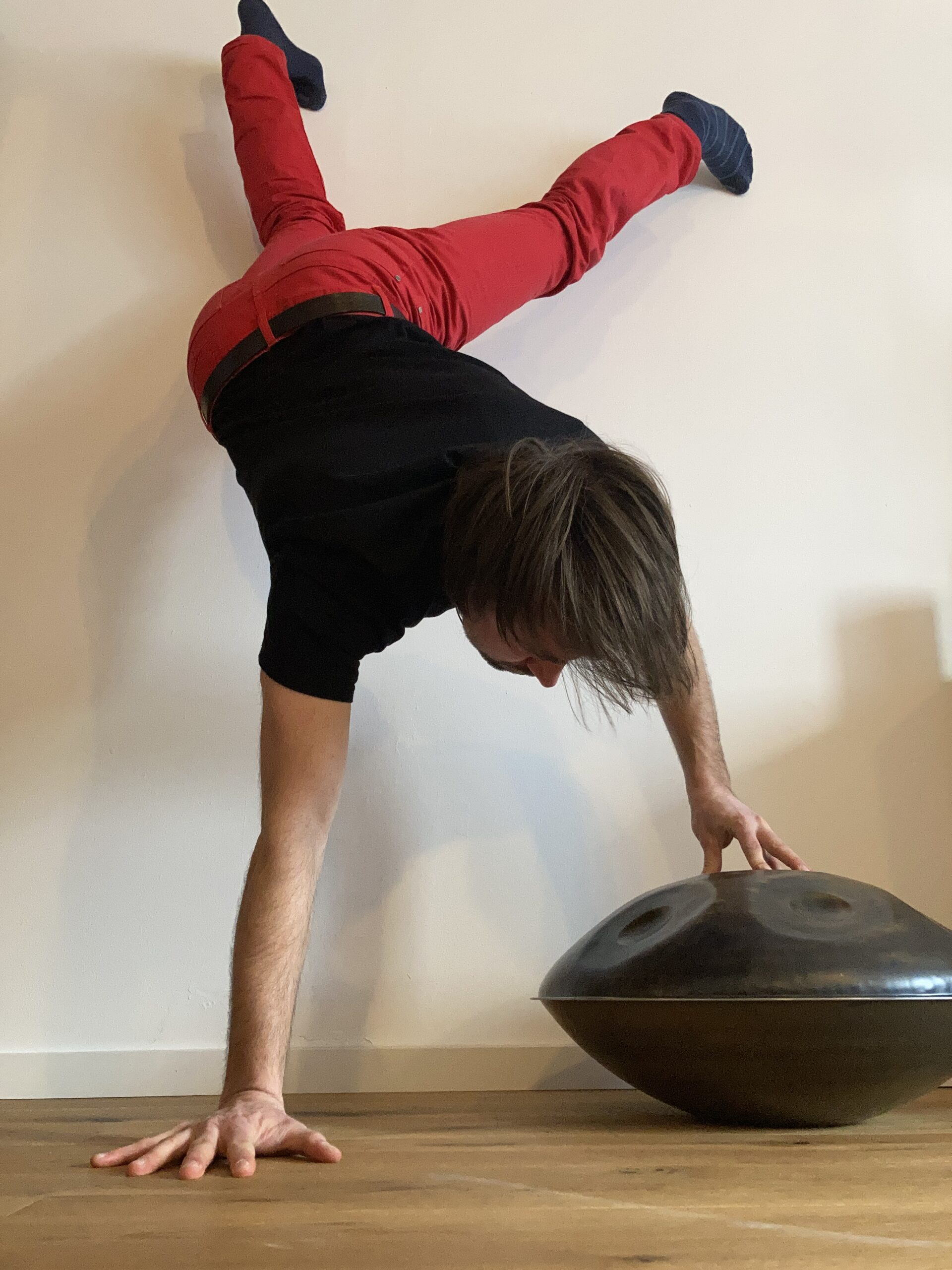 """Featured image for """"Handpan-Handstand"""""""